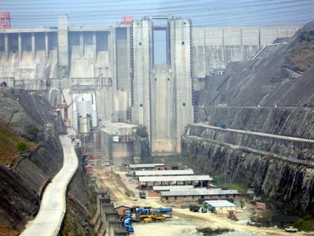 Самая большая в мире плотина. Строят китайцы (фотоподборка 14 фото, 0,9 Мб)