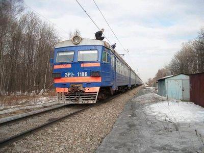 Детишки хулюганют на железной дороге (12 фото)