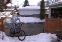 Трюк на велосипеде (видео)