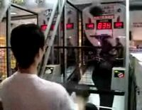 Не расчитан автомат на отжиги японцев (видео)