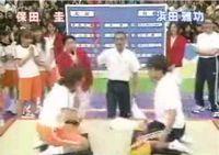 Японцы жгут! Он просто за@бался проигрывать... :)))