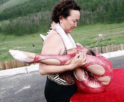 Как готовят китайских гимнасток. (15 фото)