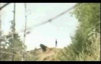 Парни спустили под откос машину (видео)