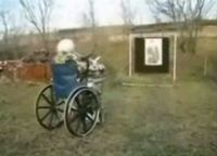 Бабушко жжот!!! Такой пулемет отхватила - может даже и с войны ещё (видео)