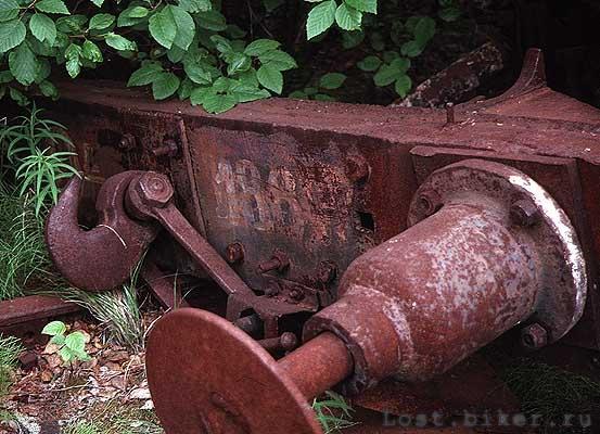 Заброшенная железка (25 фотографий)