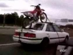 Перевозка мотоцикла пошла не по плану