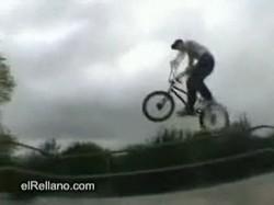 Экстремальный велосипедист (BMX)