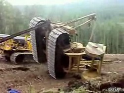 Спасали трактор, спасали...