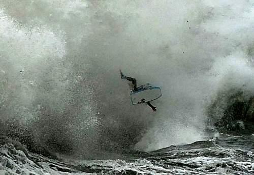 Куда попал серфингист?