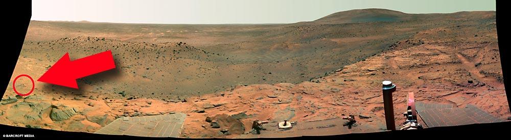 Фото сделанные на Марсе. 3 штуки.