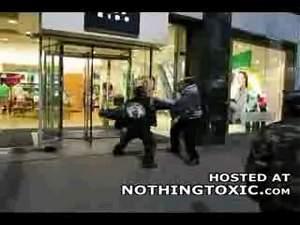 Ниггеры устроили уличную драку
