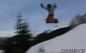 Сноубордист, он, вообще, часто падает...