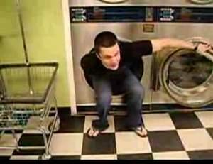 Постирал одежду и заодно помылся