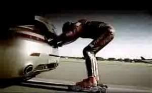 Астон Мартин протир реактивного роллера, видео.