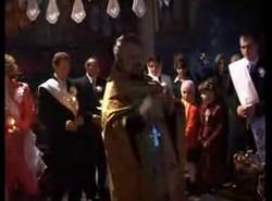 Молдавский священник жжот