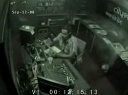 Ведущий на радио жжот!
